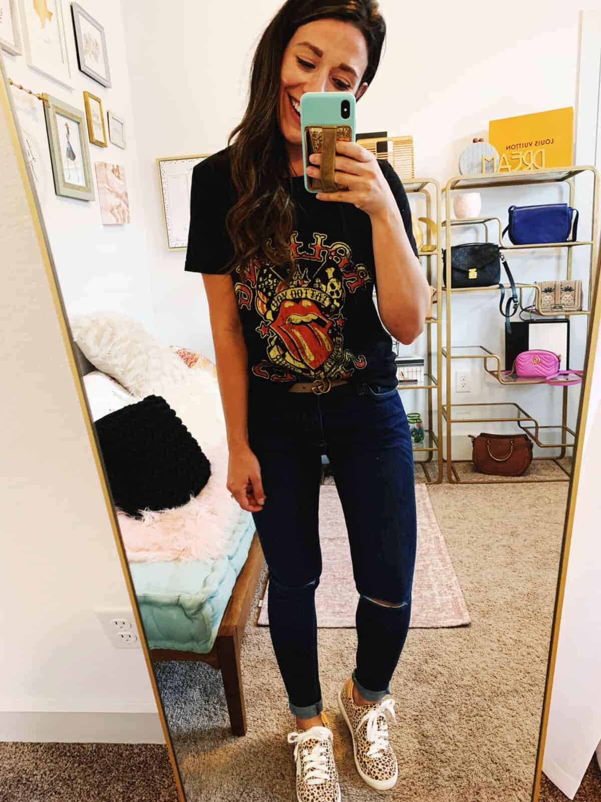 graphic tee styled with jeans and sneakers for Fall
