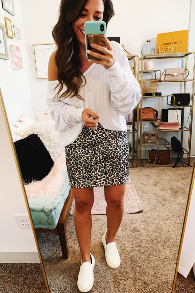 5 ways to style a leopard skirt for Fall 2019